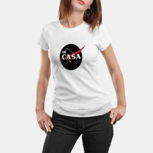 Тениска с щампа MI CASA имитираща NASA лого - бяла